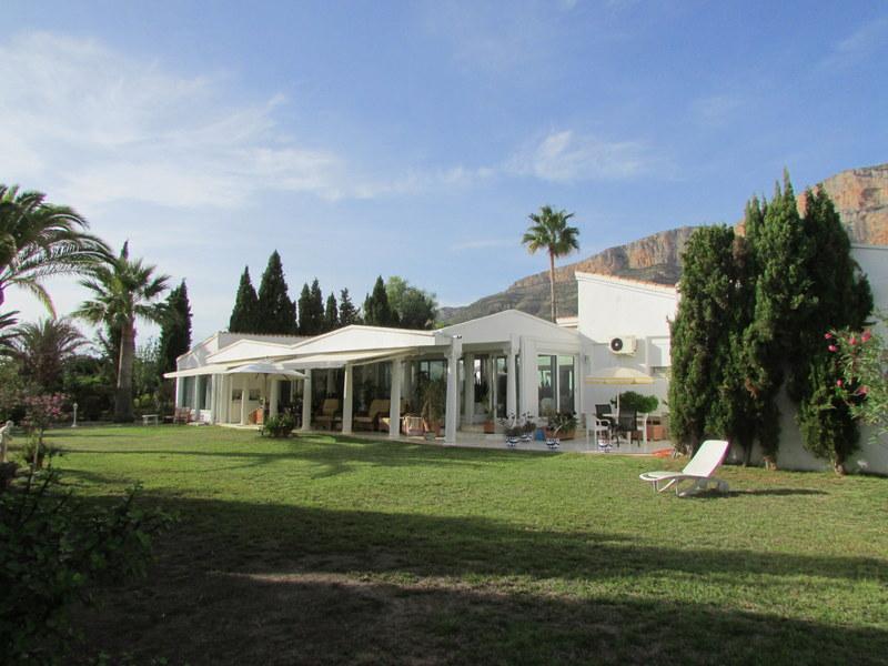 Villa, Valls