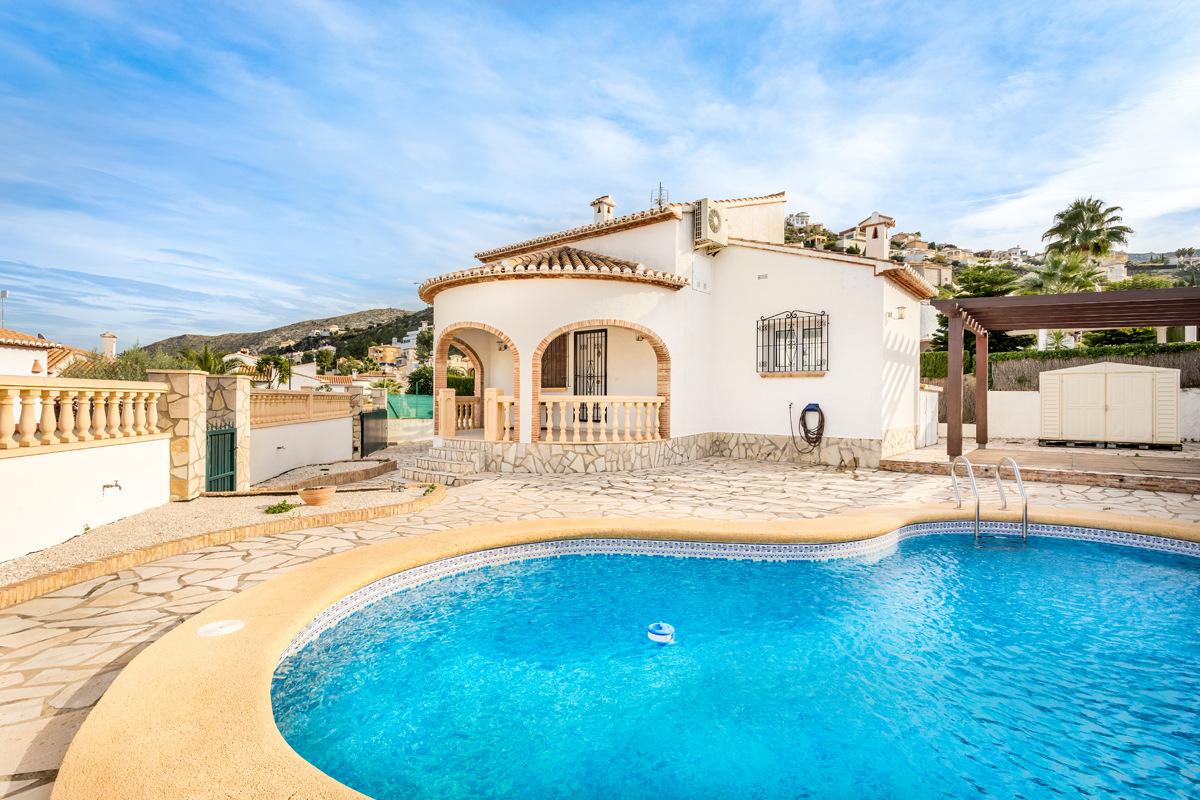 Villa, Monte Solana