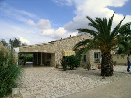 Villa Moderne de style Finca
